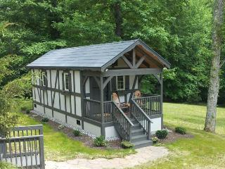 European style cabin in the heart of horse country, Tryon