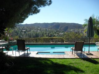 Incredible view, totally private, swimming pool.., Los Ángeles