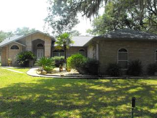 Family POOL Home 2 Acres fully fenced PETS Welcome, De Leon Springs