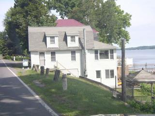 Lake front Cayuga finger lakes in Seneca Falls NY - Seneca Falls vacation rentals