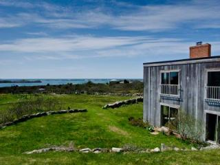 CONTEMPORARY ARTIST RETREAT ON SQUIBNOCKET POND - CHIL WWEL-19, Chilmark