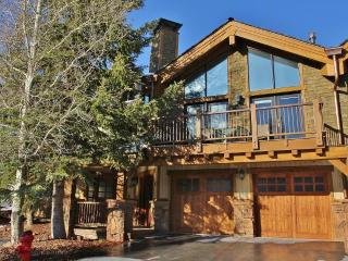 Deer Valley Dreamin-Ski-in/out,Hot Tub,Pool,Views! - Park City vacation rentals