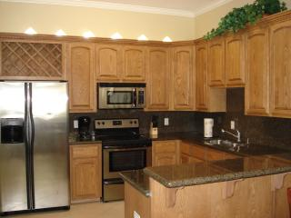 Beautiful 2 Bedroom Condo Across from Beach!!, South Padre Island