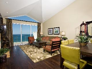 Cliff-top condo over-looking Pacific, Encinitas CA