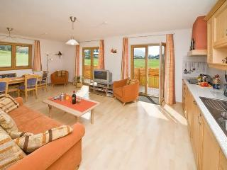 Luxury 3-bedroom holiday-apartment with own SAUNA, Seefeld in Tirol