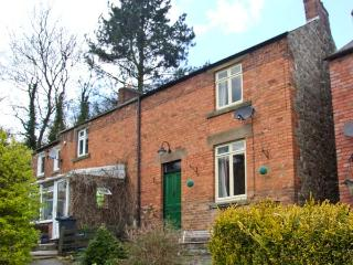 COSY COTTAGE, cottage with open fire, full of character, well presented, close to amenities in Wirksworth, Ref 15459 - Wirksworth vacation rentals