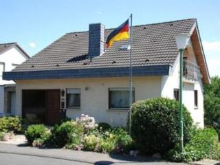 Vacation Apartment in Linz am Rhein - 484 sqft, high quaility, comfortable, relaxing (# 2739)