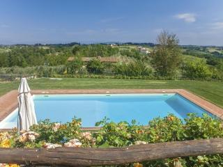 2 bedroom with pool and amazing view, Castelfiorentino