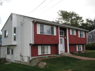 Recently renovated 5 bed raised ranch w/CentralAir, Narragansett
