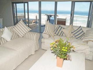 Whale Watchers 3 Bed Beach Penthouse, Muizenberg - Muizenberg vacation rentals