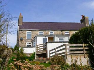 BRON HAUL pet friendly, close to beaches in Brynteg Ref 14947