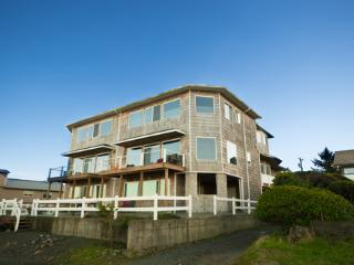 Seaside Escape~Oceanfront Luxury w/2 Master Suites - Seaside vacation rentals