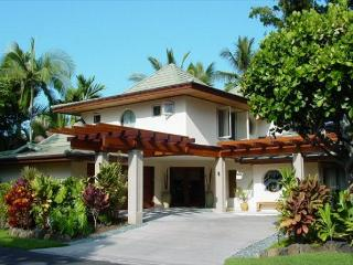 Alii Point - Luxury Villa in Private and Gated Oceanfront Community, Kailua-Kona
