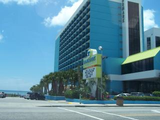 LANDMARK..STAY 7 NIGHTS ONLY PAY FOR 5! - Myrtle Beach vacation rentals