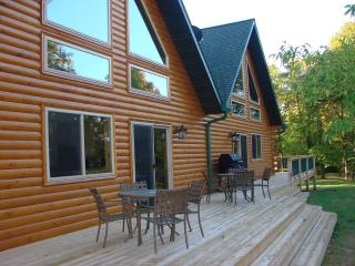 Hollywoods Resort Log Retreat - Minnesota vacation rentals