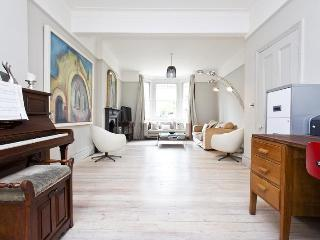 Mayfield Ave - by onefinestay, London