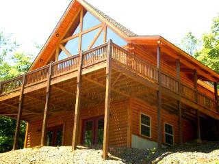 UNIQUE LOG CABIN-BEAUTIFUL MTN VIEWS - WEEKLY BOOKINGS $90 A NIGHT - Warne vacation rentals