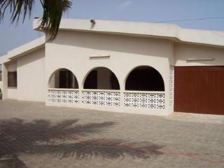 Exclusive Holiday Villa with Pool in Accra, Ghana, Acra
