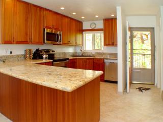 Spacious and Beautiful Customized Kitchen
