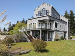 Just steps to Mutiny Bay - very sunny, great view - Whidbey Island vacation rentals