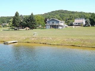 4 Bedrooms, 2 Bathrooms, 2200+ sqft, Unit 21, Petoskey