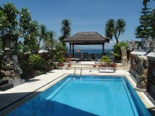 Villa Rindik - Ocean Front, In Town, Private Pool, Candidasa