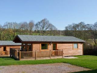 DARTMOOR EDGE LODGE, en-suite bedroom, golf, gym, in Tedburn St Mary, Ref 13133, Devon