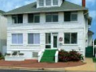 CUTTY SARK HISTORIC BEACH COTTAGE  Mrs. Johnson's - Virginia Beach vacation rentals