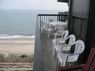 Spectacular 4 bedrooms bilevel Oceanfront, Ocean City