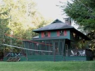 Adirondack 6 BR Waterfront - Recreational Paradise, Old Forge