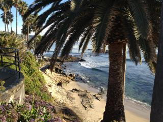 Laguna Village Retreat - Close to Everything!, Laguna Beach