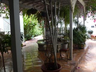 $125/Night,  Tropical Ambience, 3 Min to Downtown2, San Diego