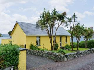 KATE'S COTTAGE, sea views, open fire, large garden near Knightstown, Valentia Island Ref 17408