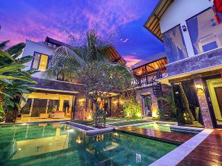 Peaceful Retreat in the Heart of Seminyak 4BR