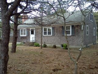 3 Bedroom House 1/2 mi from Sunken Meadow Beach, Eastham