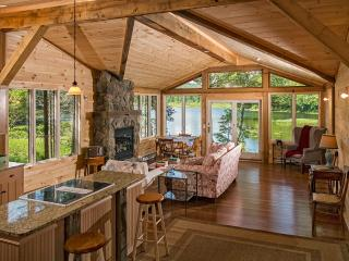 Romantic Private Waterfront Cabin - Great Views!, Piseco