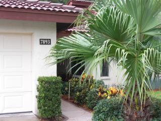 Sarasota's Best Kept Secret! avail beg . 5/31/15 - Sarasota vacation rentals