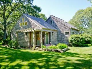 HILLSIDE HIDEAWAY ON BLUEBERRY RIDGE - CHIL VBAR-39MH, Chilmark