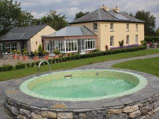Skahard Country Villa, Caherconlish