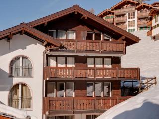 2 bedroom apartment with spectacular Matthorn view, Zermatt
