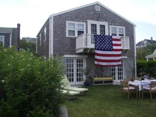 'Sconset direct waterfront beach cottage, Siasconset