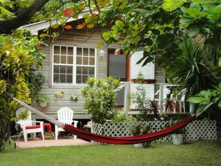 A.K. Mayflower Casita-1 Bedroom Garden Cottage!, San Pedro