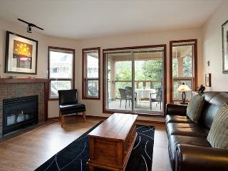 91 Glaciers Reach this 2br home has a hot tub & pool in Whistler Village