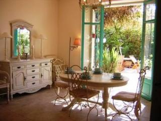 Perrissol Gorgeous 3 Bedroom Flat with a Garden and Balcony, Cannes