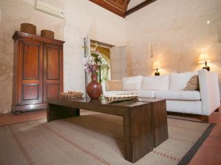 5 Bedroom Colonial Home in the Heart of Old Town, Cartagena