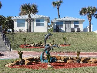Oceanfront Cottages with Fully Equipped Kitchens, Daytona Beach