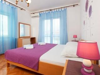 Charming and sunny apartment Kunta, Hvar