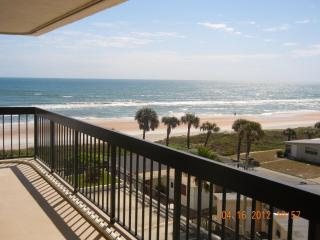 Renovated Immaculate 2 Bedroom Oceanfront Condo, Ormond Beach