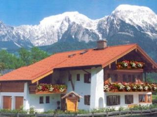 LLAG Luxury Vacation Apartment in Schönau am Königssee - 431 sqft, spacious, woodburning stove (#…