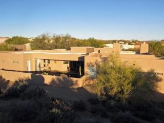 Spectacular Contemporary with Heated Pool, Scottsdale